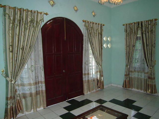 foto-kain-gorden-terbaru-jendela-rumah-indah-007